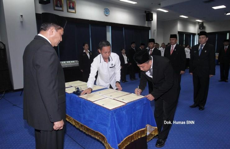 Kepala BNN Budi Waseso melantik pejabat eselon II, III dan IV dilingkungan Badan Narkotika Nasional